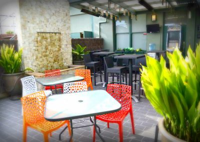 st-george-gallery-bistro-outdoor